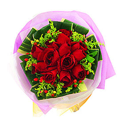 A Bouquet of Beauty:Rose Day Gift Delivery in Malaysia