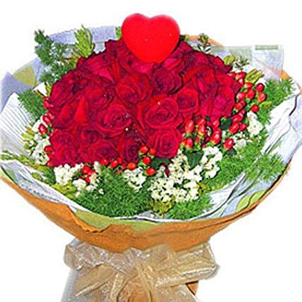 Roses with Foliage N Heart