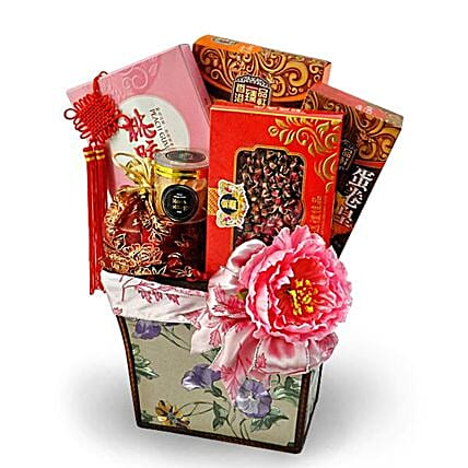 Traditional Oriental Gift Basket:Send Chinese New Year Gifts to Malaysia