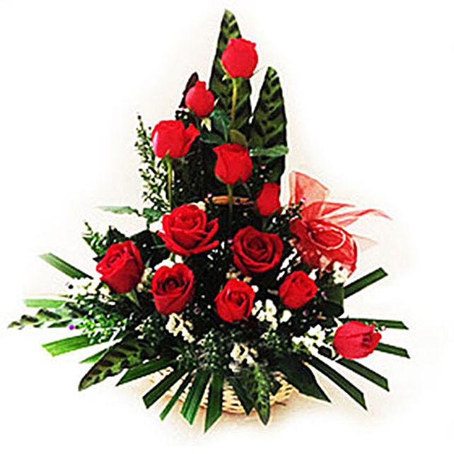 Splendid Rose Arrangement:Send Friendship Day Gifts to Malaysia