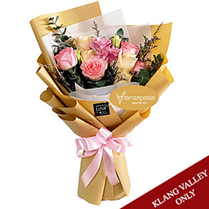 Elegant Hand Designed Mixed Rose Bouquet:Gifts for Wife to Malaysia