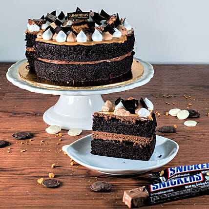 Mouth Watering Snickers Chocolate Cake:Chocolate Cake Delivery in Malaysia