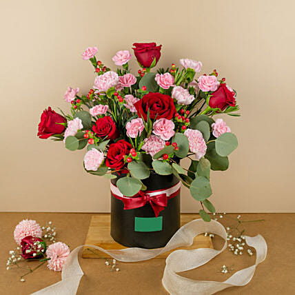 Beautiful Carnations And Red Roses Round Box