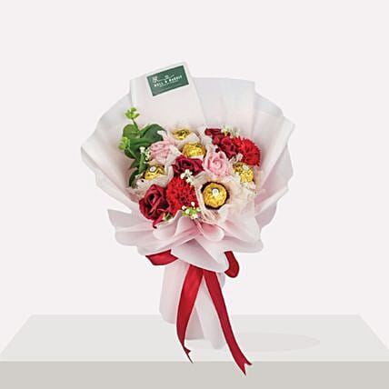 Mesmerizing Mixed Flowers Bouquet And Ferrero Rocher:Gift Combos to Malaysia