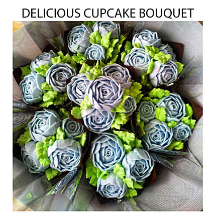 Piped Rose Shaped Vanilla And Chocolate Cupcakes Bouquet