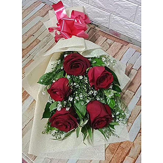 Elegant Bouquet Of Imported Roses