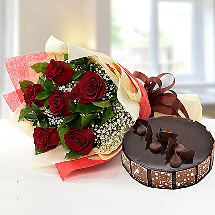 Elegant Rose Bouquet With Chocolate Cake:Flower and Cake Delivery in Qatar