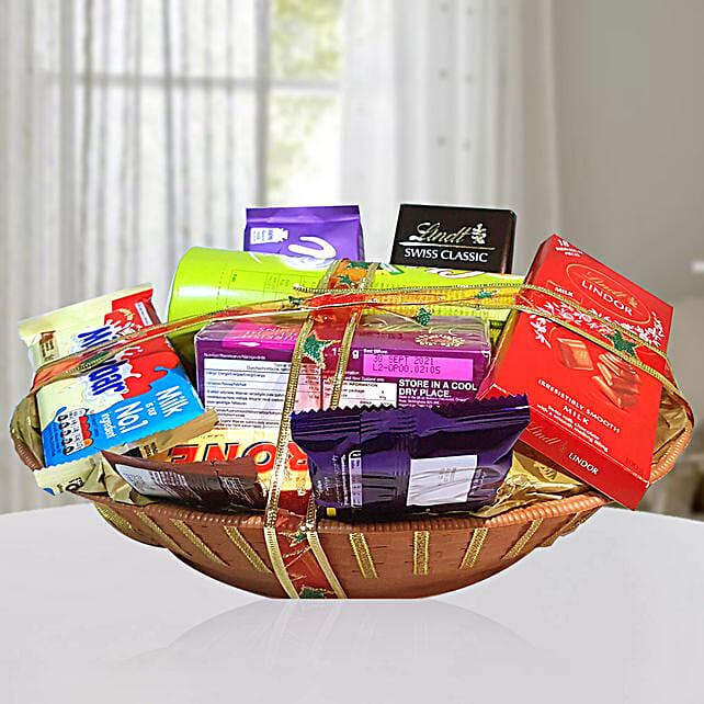 Sweet & Salty Delights Hamper:Send Diwali Gifts to Qatar