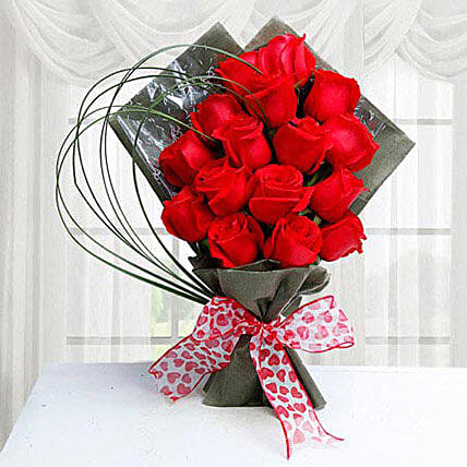 15 Red Roses:Send Flower Bouquets to Saudi Arabia