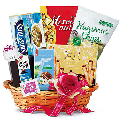 Appetizing Chocolate Hamper:Gift Basket to Singapore