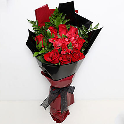 Beauty Of Red Flowers Bouquet