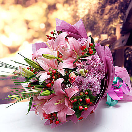 Colors of Charm:Send Mixed Flowers to Singapore
