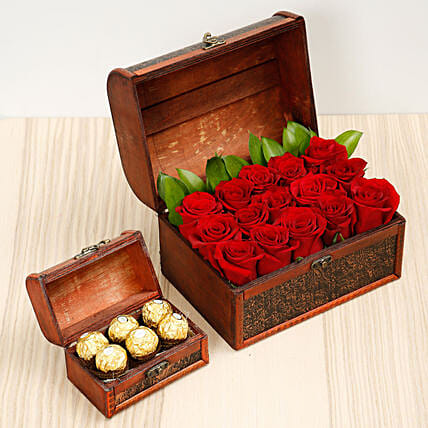 Elegant Box Of 15 Red Roses and Chocolates:Gift Combos to Singapore