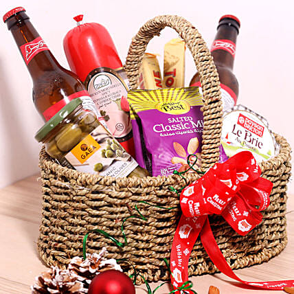 Holiday Snack Basket:Gift Basket to Singapore