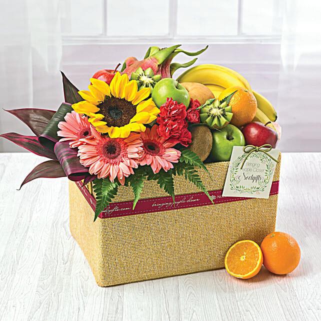 Juicy Fruits And Flowers Hamper