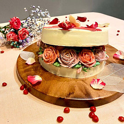 Lovely Rose Box Cake