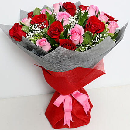 Pink and Red Roses Luxurious Bouquet