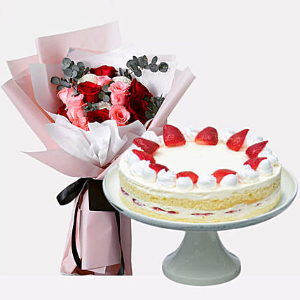 Strawberry Shortcake & Delightful Roses:Valentine's Day Cake Delivery in Singapore