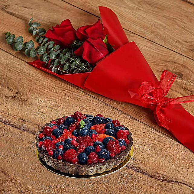Roses Bouquet & Berry Tart Cake