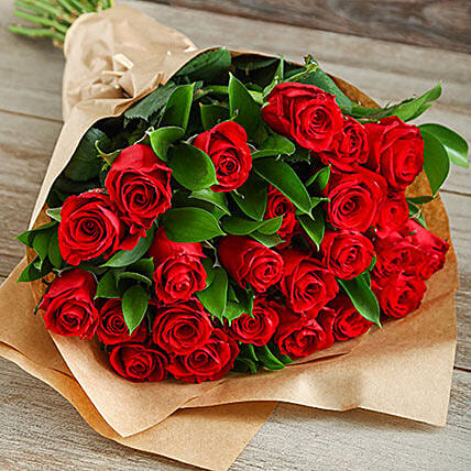 Bunch Of Red Roses In Craft Paper:Send Flowers to South Africa