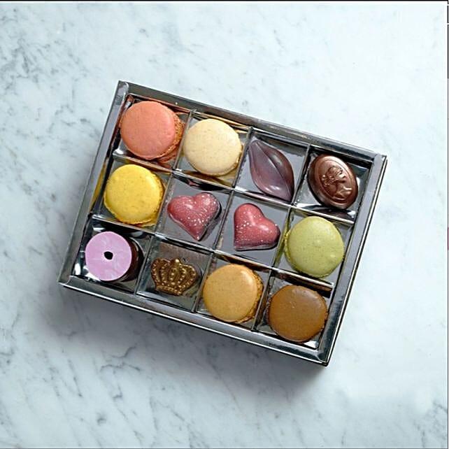 Tempting Assorted Handmade Chocolate Box 12 Pcs
