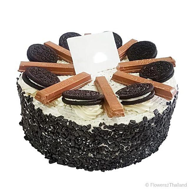 Delicious Oreo And Kitkat Cake