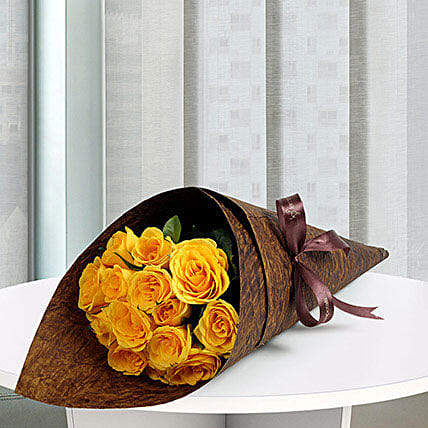 15 Yellow Love Roses Bunch