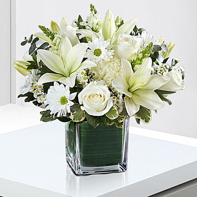 Beautiful White Flowers Vase