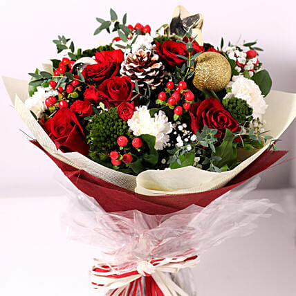 Christmas Themed Floral Bouquet:Send Christmas Flowers to UAE