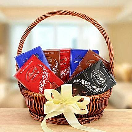 Delicious Delight:Eid Gift Baskets to UAE