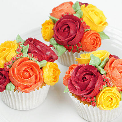 Floral Design Cupcakes:Thanksgiving Day Gift Delivery in UAE