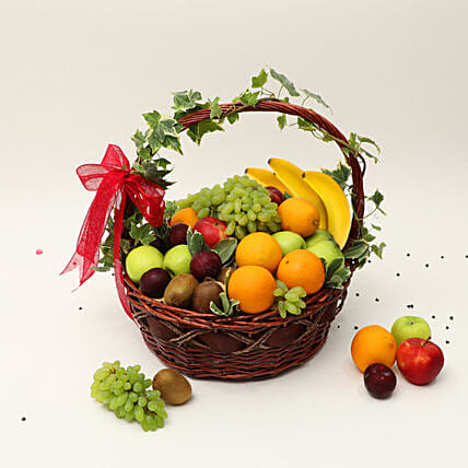 Juicy Fruits Basket:Dubai Gift Basket Delivery