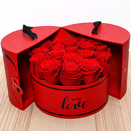 Luxurious Box Of Red Roses:Send Valentines Day Roses to UAE