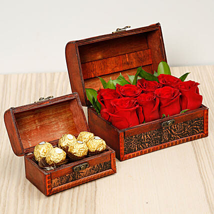 Passionate Red Roses and Chocolates Box:Flowers and Chocolates Delivery in UAE