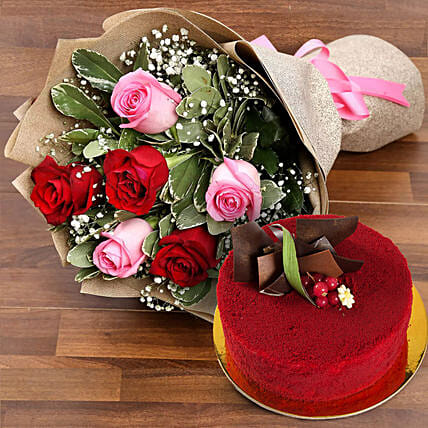 Pink and Red Roses with Red Velvet Cake:Send Anniversary Gifts to UAE