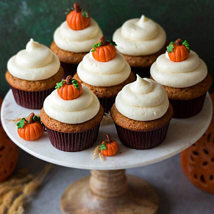 Pumpkin Topping Cupcakes:Thanksgiving Day Gift Delivery in UAE