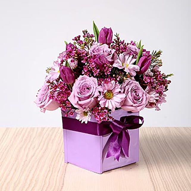 Purple Flowers Vase Arrangement:Same Day Flower Arrangements in Dubai UAE