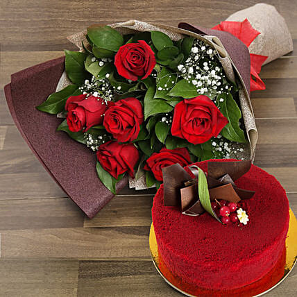 Red Roses with Red Velvet Cake:Gift Combos to UAE