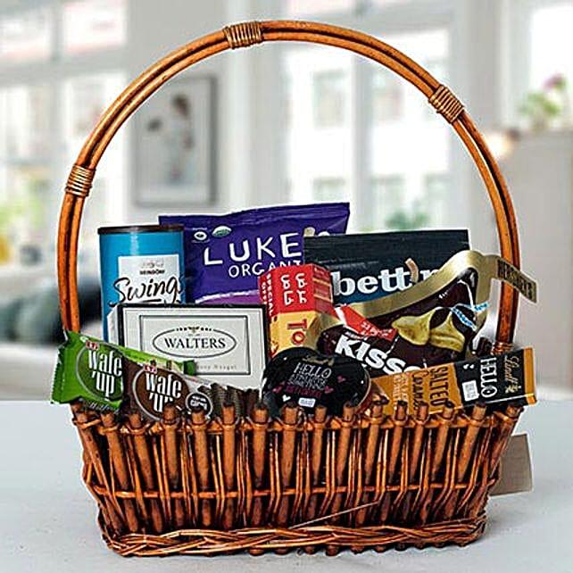 Small Basket Chocolate Wonder:Valentine Gift Baskets to UAE