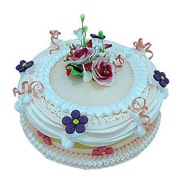 Snowy white treat:Designer Anniversary Cakes to UAE