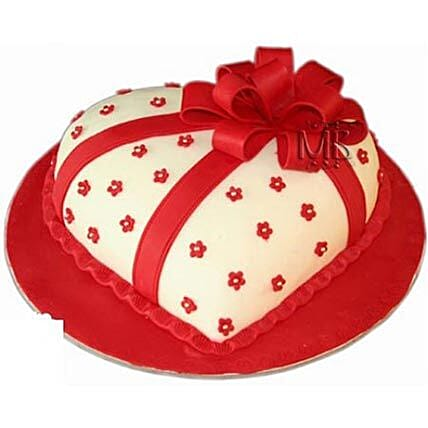 Special Hearshape Cake