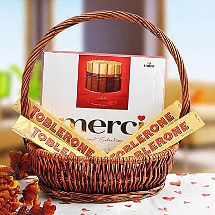 A Gift of Perfection:Dubai Gift Basket Delivery