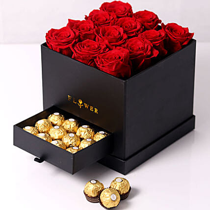 Forever Red Roses With Rochers In Box