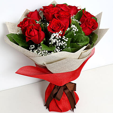 Bunch Of Ravishing Red Roses:Same Day Rose Delivery in UAE