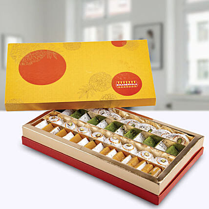 Kaju Premium Mix Sweets Box:Send Sweets to UAE
