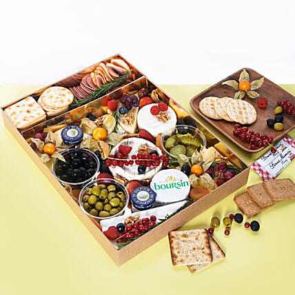 Large Cheese Box with Condiments