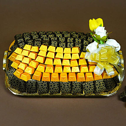 Chocolates and Flowers Tray:Send Diwali Gifts to UAE
