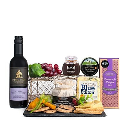 Exclusive Wine And Cheese Selection:Send Christmas Gifts to UK
