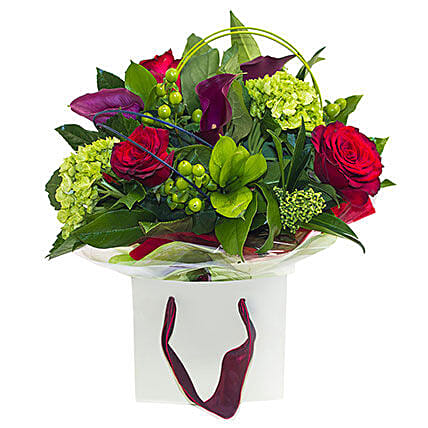 Roses in the Garden:Send Birthday Lilies to UK