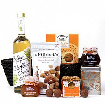 Sweet Galore Edible Hamper:St Patricks day Gifts to UK